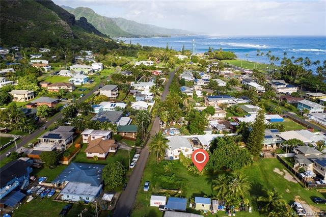 Photo of home for sale at 51-407 Lihimauna Road, Kaaawa HI