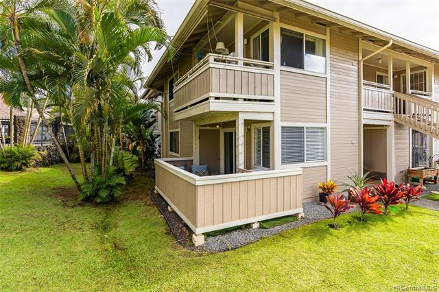 Photo of home for sale at 95-510 Wikao Street, Mililani HI