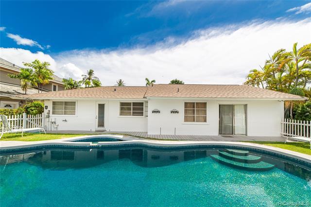 Photo of home for sale at 4817 Aukai Avenue, Honolulu HI