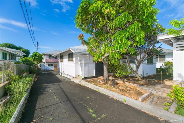 Photo of home for sale at 3847 Noeau Street, Honolulu HI