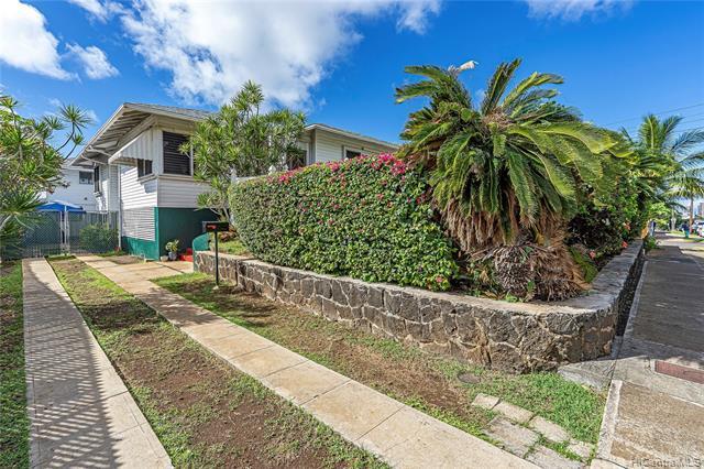 Photo of home for sale at 2359 Dole Street, Honolulu HI