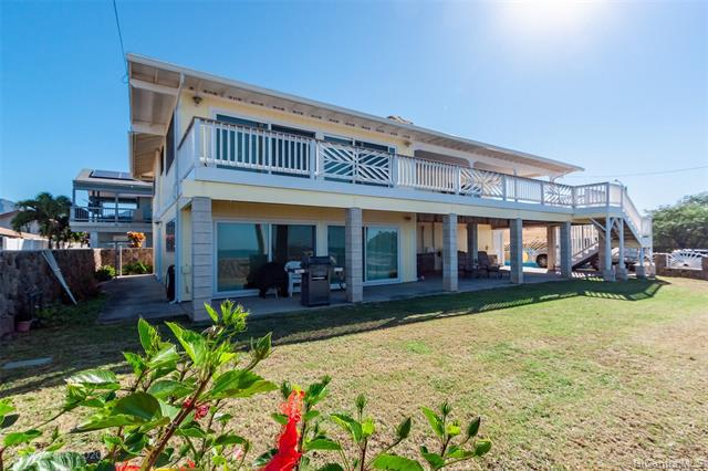 Photo of home for sale at 87-946 Farrington Highway, Waianae HI