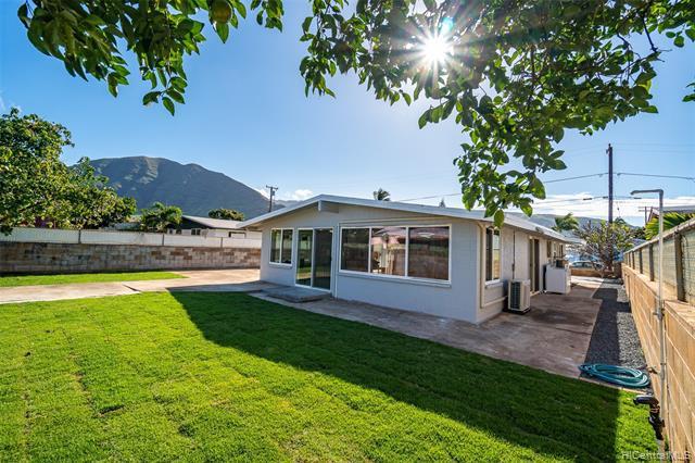 Photo of home for sale at 87-168 Maaloa Street, Waianae HI