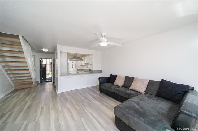 Photo of home for sale at 92-933 Welo Street, Kapolei HI