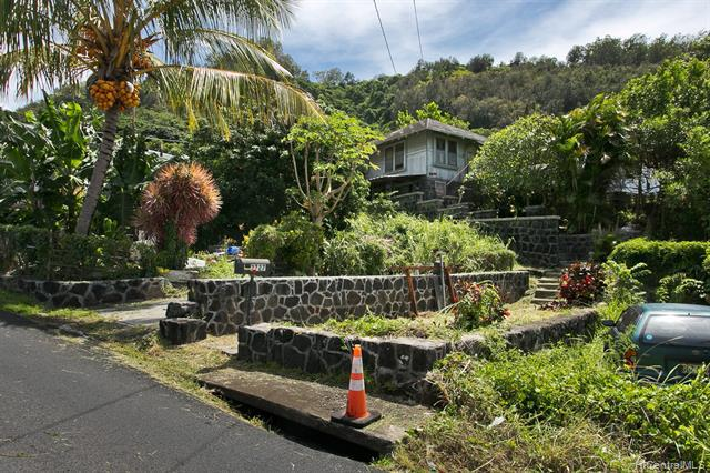 Photo of home for sale at 2727 Booth Road, Honolulu HI