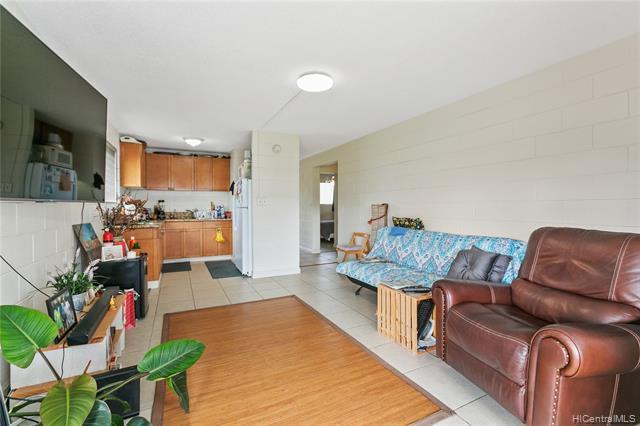 Photo of home for sale at 1330 Wilder Avenue, Honolulu HI