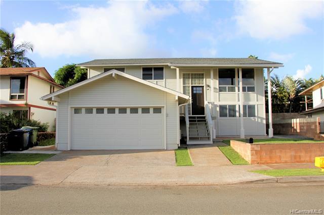Photo of home for sale at 94-352 Hakamoa Street, Mililani HI