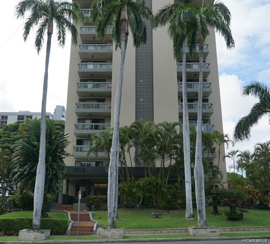 Photo of home for sale at 1808 Punahou Street, Honolulu HI