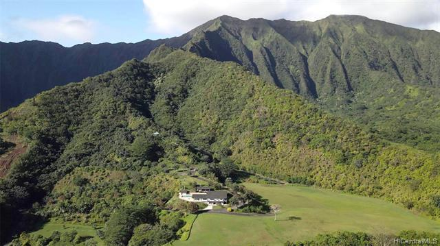 Photo of home for sale at 47-477 Waihee Place, Kaneohe HI