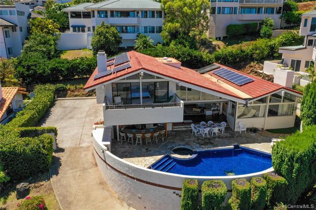Photo of home for sale at 480 Puuikena Drive, Honolulu HI