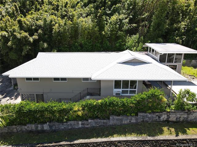 Photo of home for sale at 3151 Kaohinani Drive, Honolulu HI