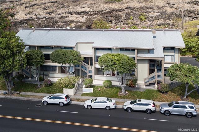 Photo of home for sale at 370 Kawaihae Street, Honolulu HI