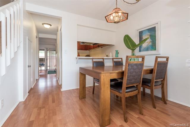 Photo of home for sale at 94-1470 Lanikuhana Avenue, Mililani HI