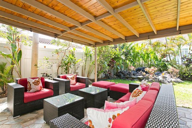 Photo of home for sale at 607 Kealahou Street, Honolulu HI