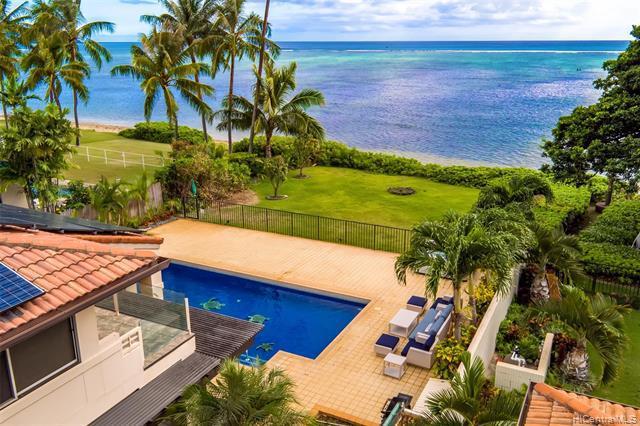 Photo of home for sale at 5589 Kalanianaole Highway, Honolulu HI
