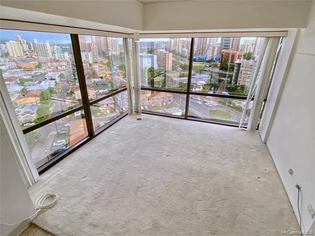 Photo of home for sale at 1750 Kalakaua Avenue, Honolulu HI