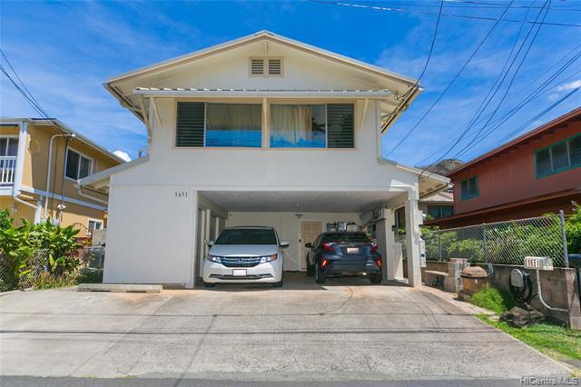 Photo of home for sale at 1651 Leilehua Lane, Honolulu HI