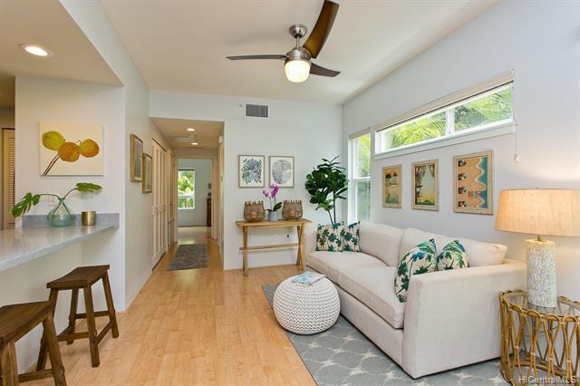 Photo of home for sale at 501 Kailua Road, Kailua HI