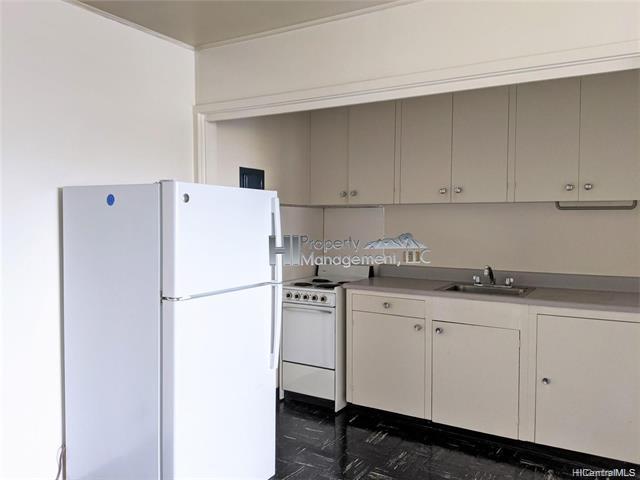 Photo of home for sale at 660 Kailua Road, Kailua HI