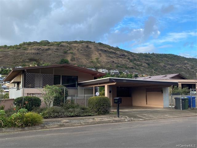 Photo of home for sale at 1540 Ala Aoloa Loop, Honolulu HI