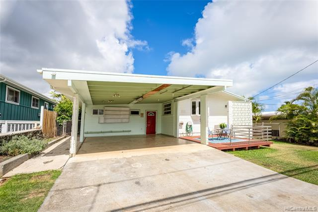 Photo of home for sale at 1114 Kina Street, Kailua HI