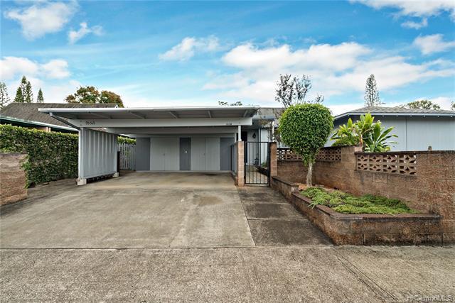 Photo of home for sale at 95-521 Wehewehe Loop, Mililani HI