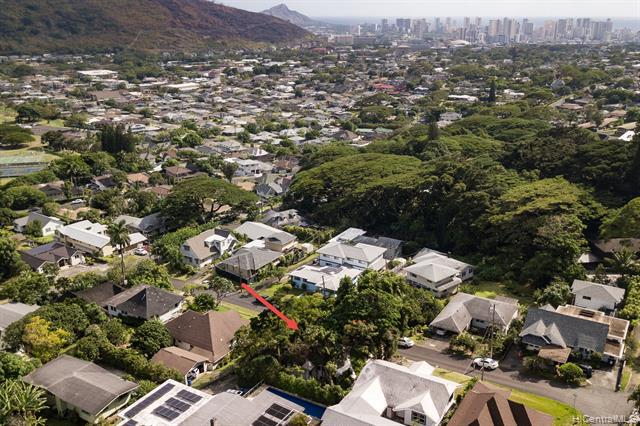 Photo of home for sale at 2514 Rainbow Drive, Honolulu HI