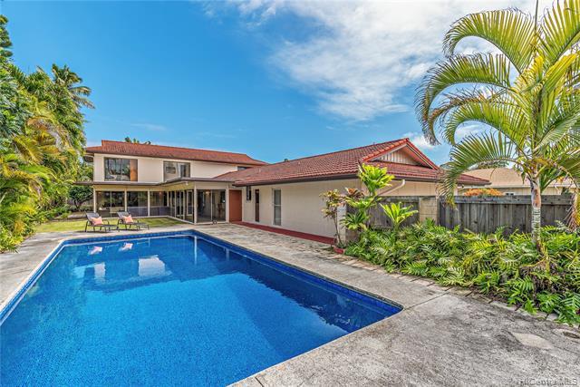 Photo of home for sale at 70 Namala Place, Kailua HI
