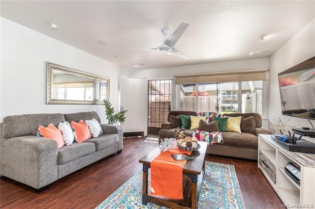 Photo of home for sale at 95-188 Kipapa Drive, Mililani HI