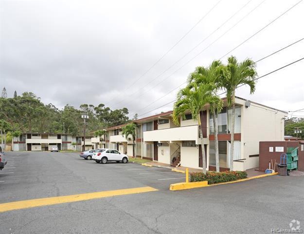 Photo of home for sale at 95-24 Waihau Street, Mililani HI