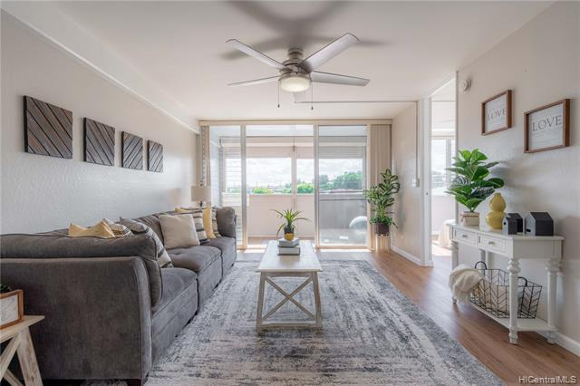 Photo of home for sale at 99-060 Kauhale Street, Aiea HI
