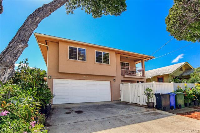 Photo of home for sale at 1207 16th Avenue, Honolulu HI