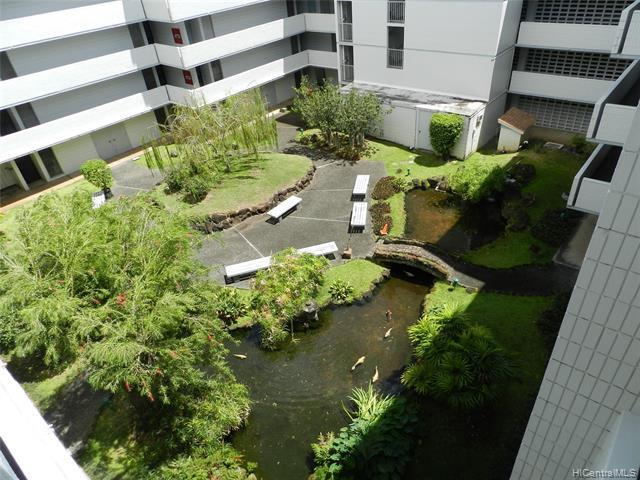 Photo of home for sale at 647 Kunawai Lane, Honolulu HI