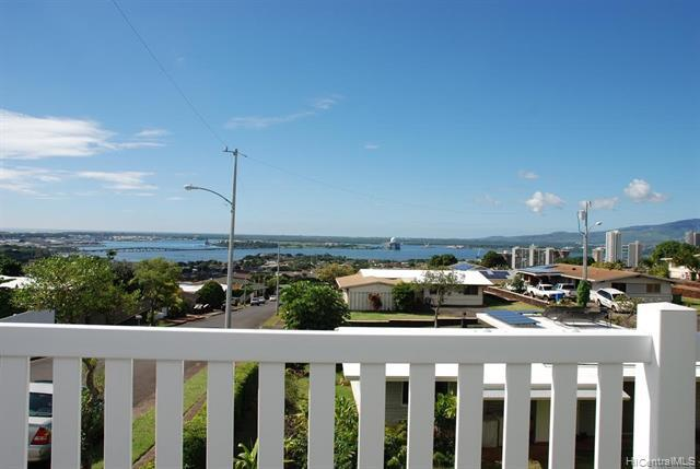 Photo of home for sale in Aiea HI