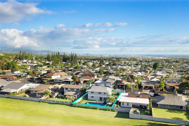 Photo of home for sale at 94-549 Holaniku Street, Mililani HI