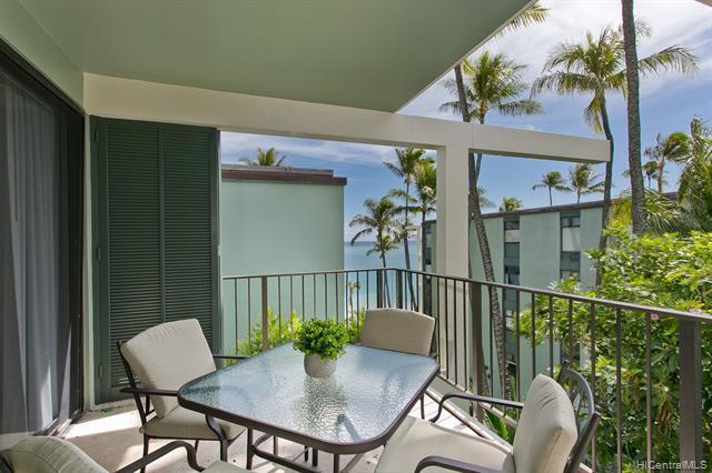 Photo of home for sale at 4999 Kahala Avenue, Honolulu HI