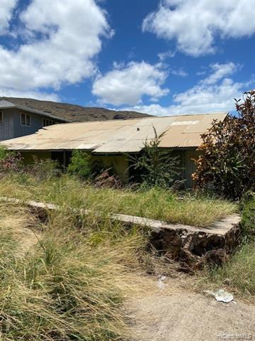 Photo of home for sale at 89-359 Mokiawe Street, Waianae HI