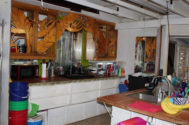 Photo of home for sale at 94-827 Lumikuke Loop, Waipahu HI