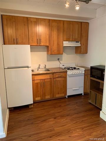 Photo of home for sale at 234 Ohua Avenue, Honolulu HI