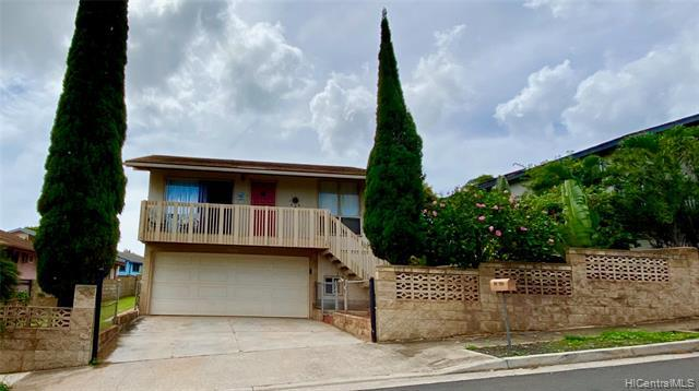 Photo of home for sale at 92-433 Kaiaulu Street, Kapolei HI