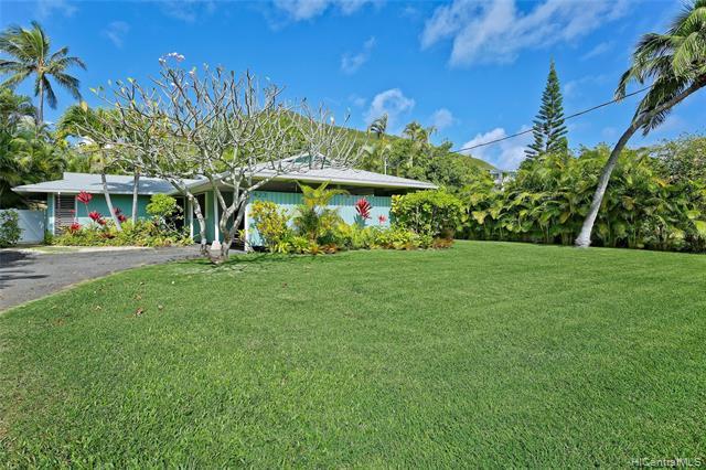Photo of home for sale at 423 Ilimano Street, Kailua HI