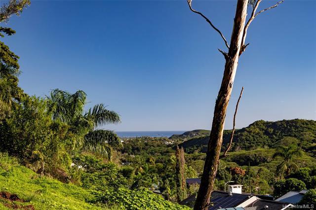 Photo of home for sale at 0 Lopaka Way, Kailua HI