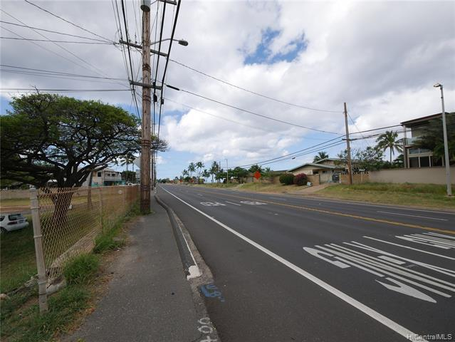 Photo of home for sale at 87-656 Farrington Highway, Waianae HI