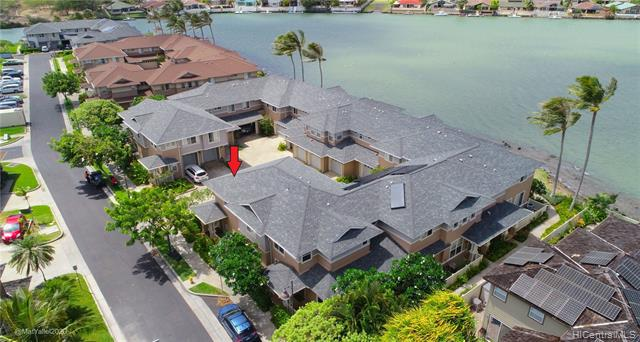 Photo of home for sale at 580 Lunalilo Home Road, Honolulu HI