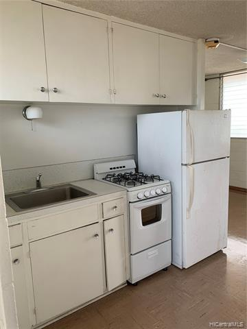 Photo of home for sale at 921C Hausten Street, Honolulu HI