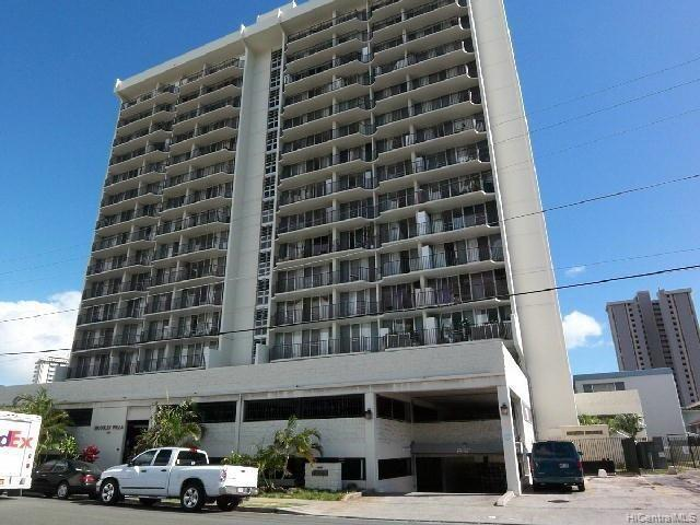 Photo of home for sale at 2121 Algaroba Street, Honolulu HI