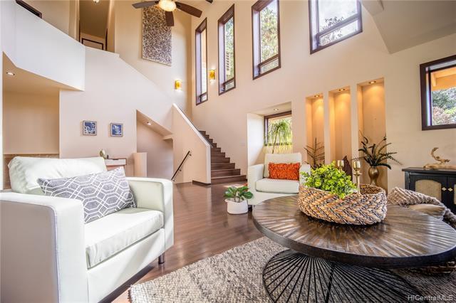 Photo of home for sale at 1705 Pilialoha Place, Honolulu HI