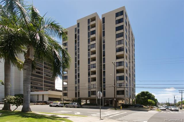Photo of home for sale at 1505 Alexander Street, Honolulu HI