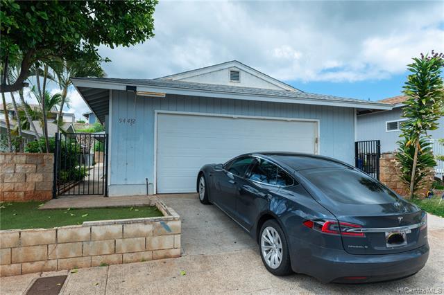 Photo of home for sale at 94-432 Opeha Street, Waipahu HI