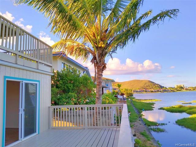 Photo of home for sale at 433 Keolu Drive, Kailua HI